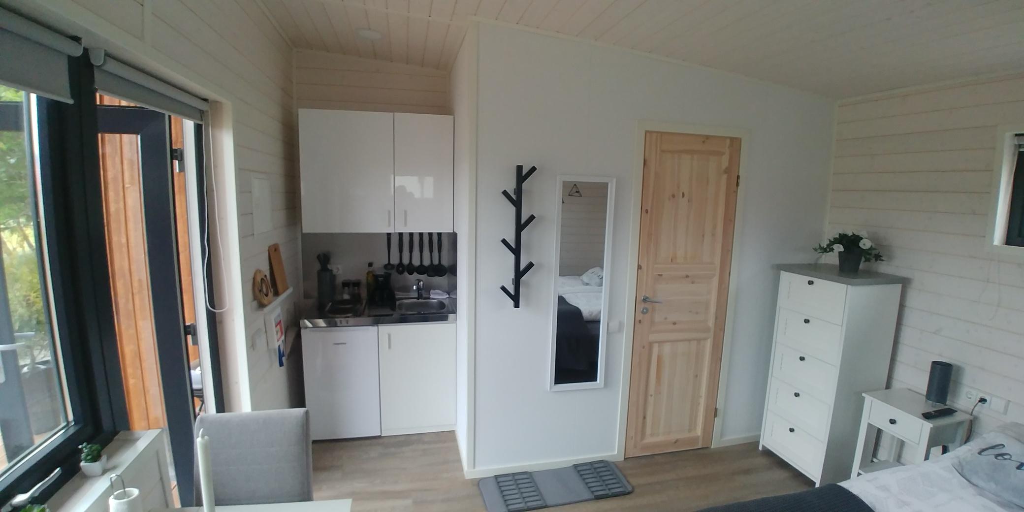 4x10 2 bedroom inside1